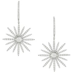 18 Karat White Gold Star Shaped Diamond Drop Dangle Earrings 1.68 Carat