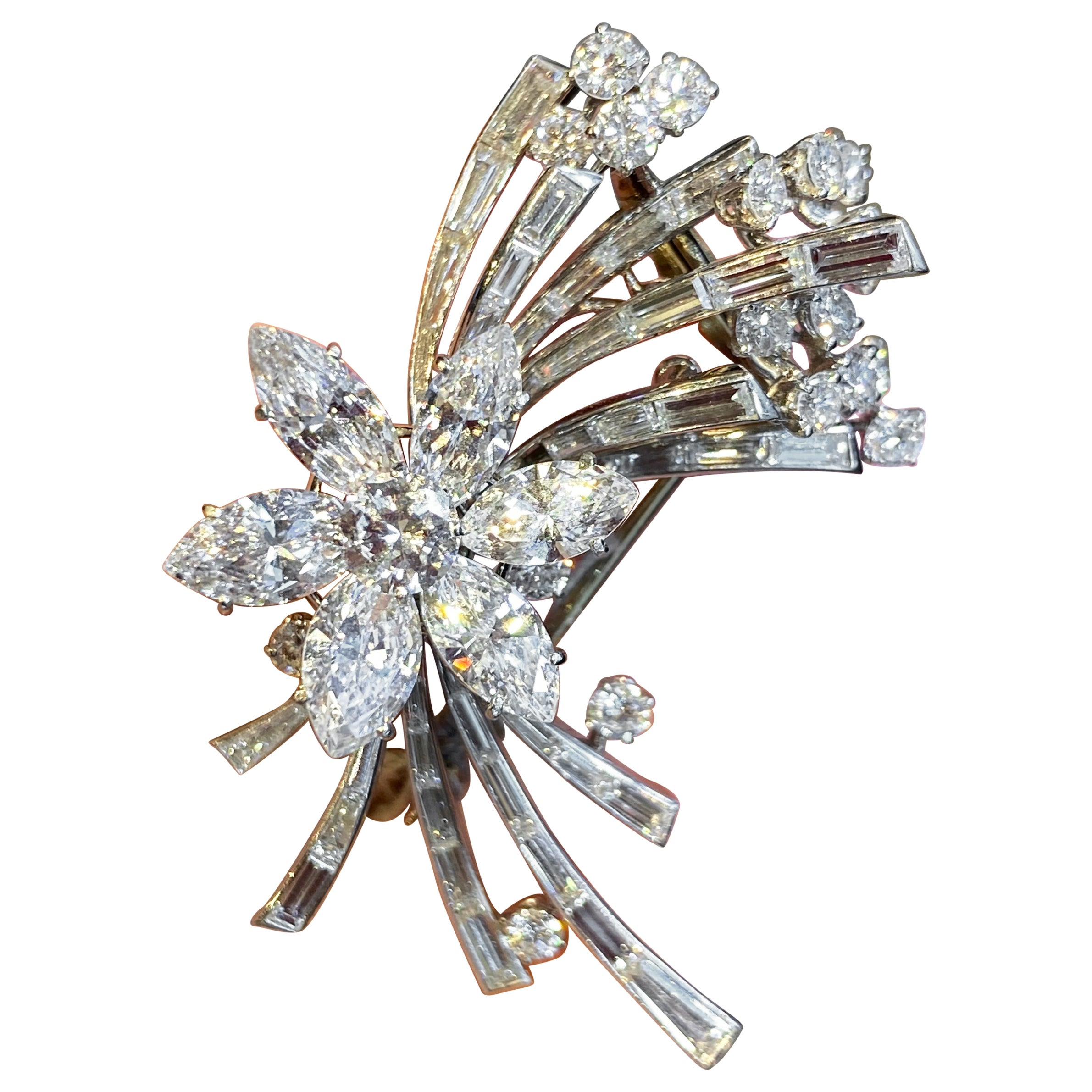 Very Fine En Tremblant Diamond Brooch