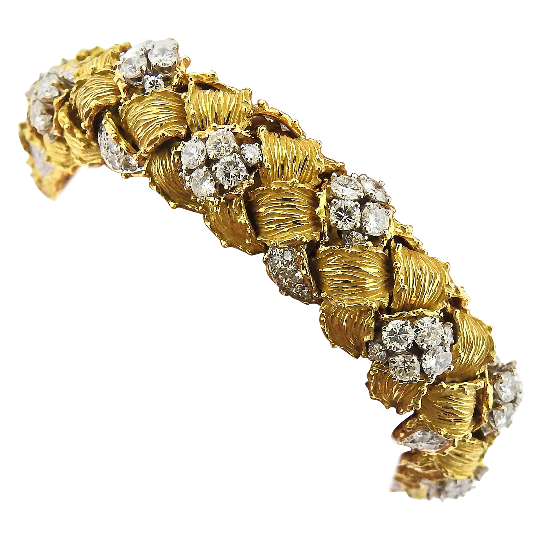 1960s 13 Carat Diamond 18 Karat Gold Bracelet