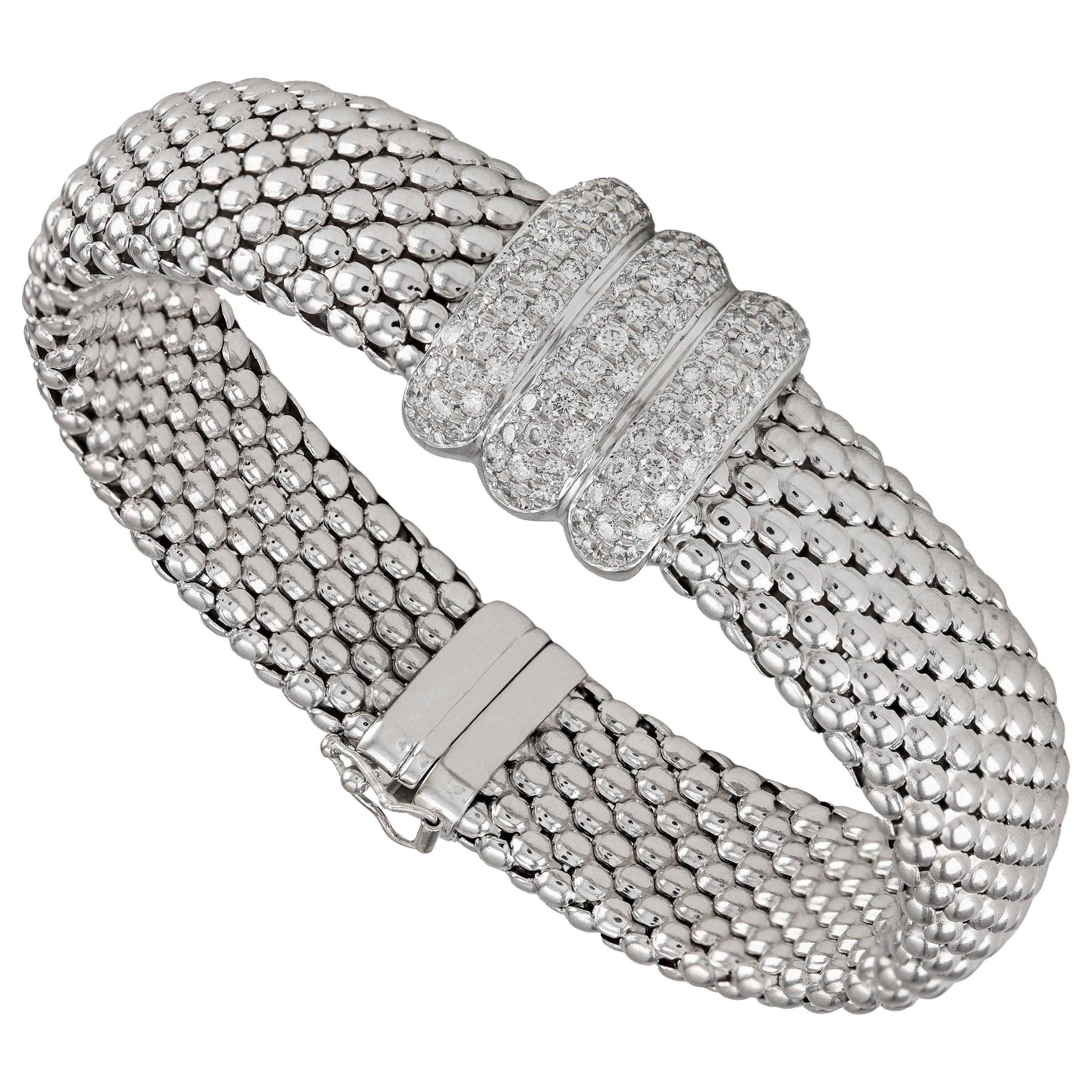18 Karat White Gold Mesh 1.50 Carat Pavé Diamond Bracelet