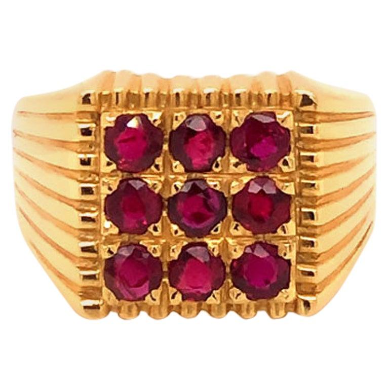 Men's Red Ruby Pinky Ring in 18 Karat Yellow Gold. 1.35 Carat