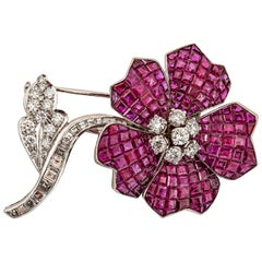 Van Cleef & Arpels Gorgeous Ruby Diamond Gold Brooch