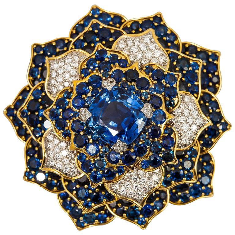 Verdura Gorgeous Sapphire Diamond Gold Flower Brooch For Sale