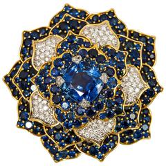 Verdura Gorgeous Sapphire Diamond Gold Flower Brooch