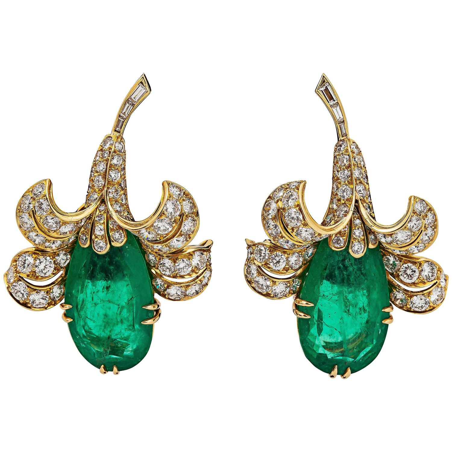 Van Cleef And Arpels Gorgeous Emerald Diamond Gold Flower Earrings For Sale  At 1stdibs