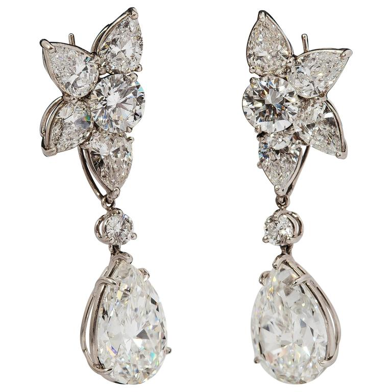 harry winston diamond platinum winston cluster drop earrings For Sale