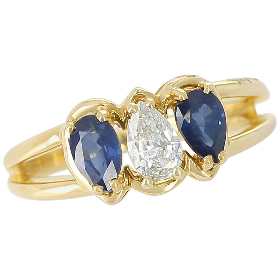Chaumet, Paris Sapphire and Diamond Ring, 18 Karat Yellow Gold