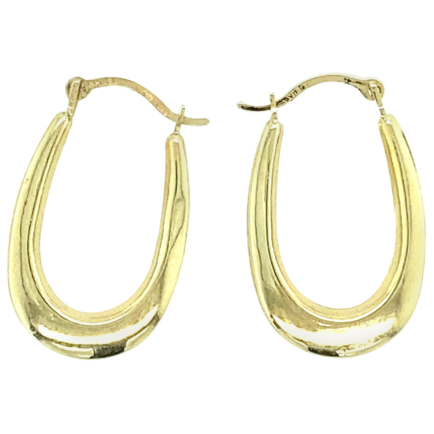 14 Karat Yellow Gold Oval Hoop Earrings