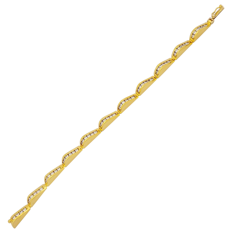 Lagos 18 Karat Yellow Gold and 3.20 Carat Diamonds Wave Bracelet