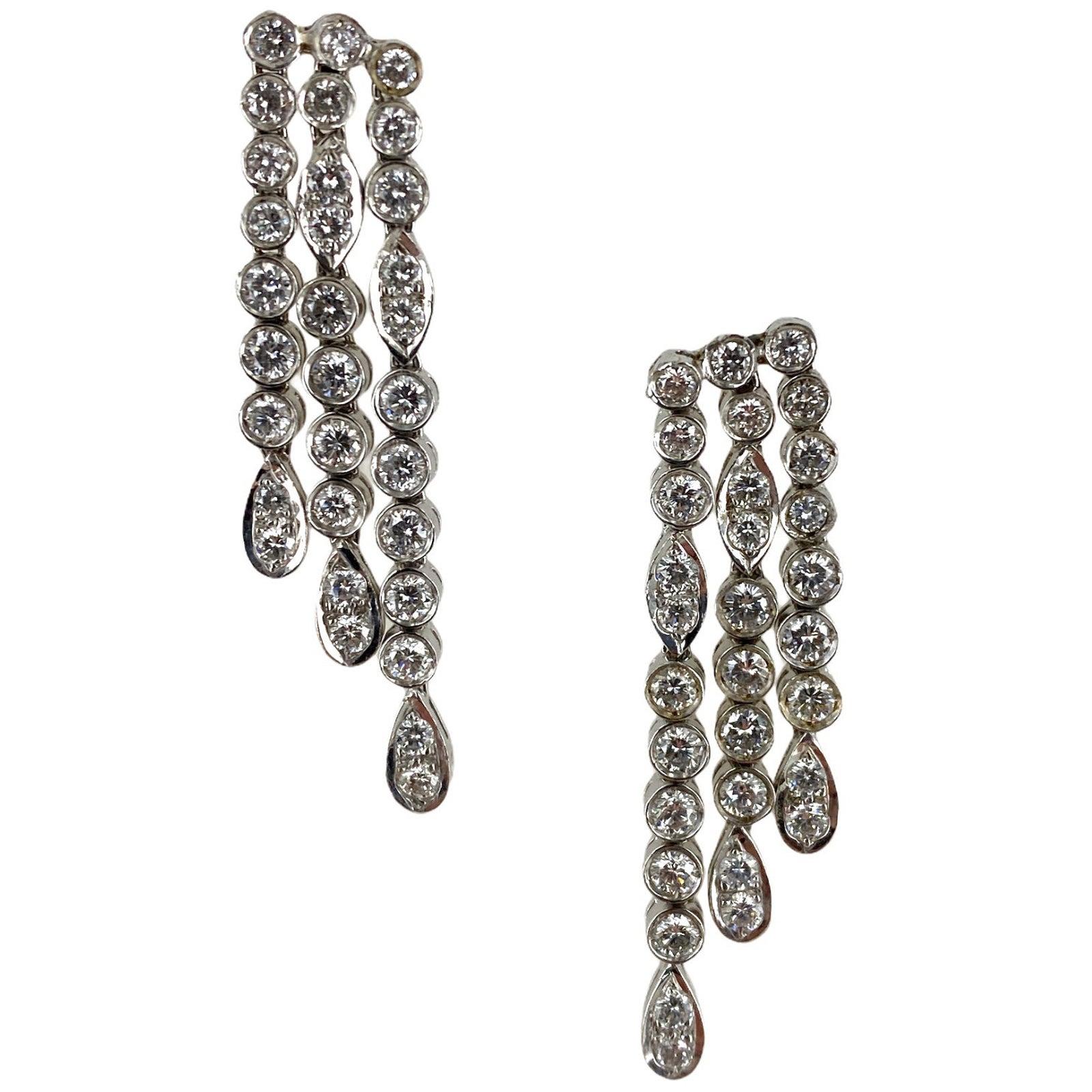 2.00 Carat Round Brilliant Cut Diamond Dangle Drop 14 Karat White Gold Earrings