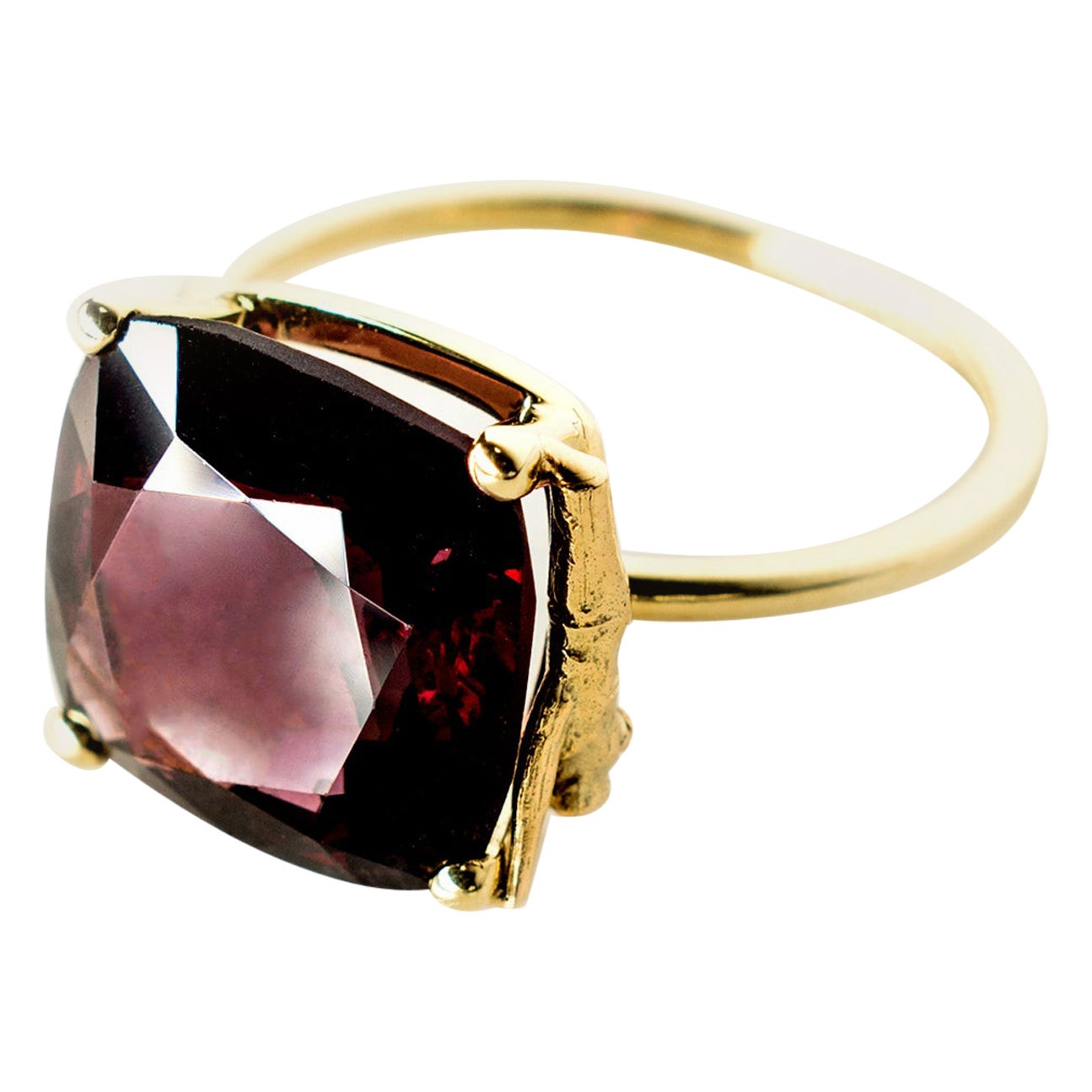 Yellow Gold Tea Contemporary Ring with Natural 11.34 Carat Rhodolite Garnet