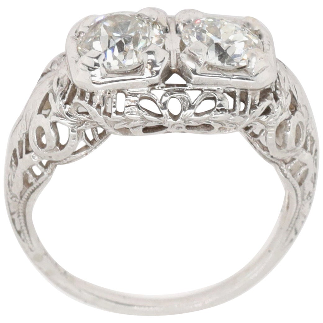Art Deco Toi et Moi Old European Cut Diamonds 18 Karat White Gold Filigree Ring