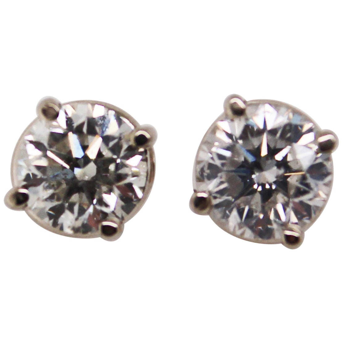 14 Karat White Gold Diamond Stud Earrings