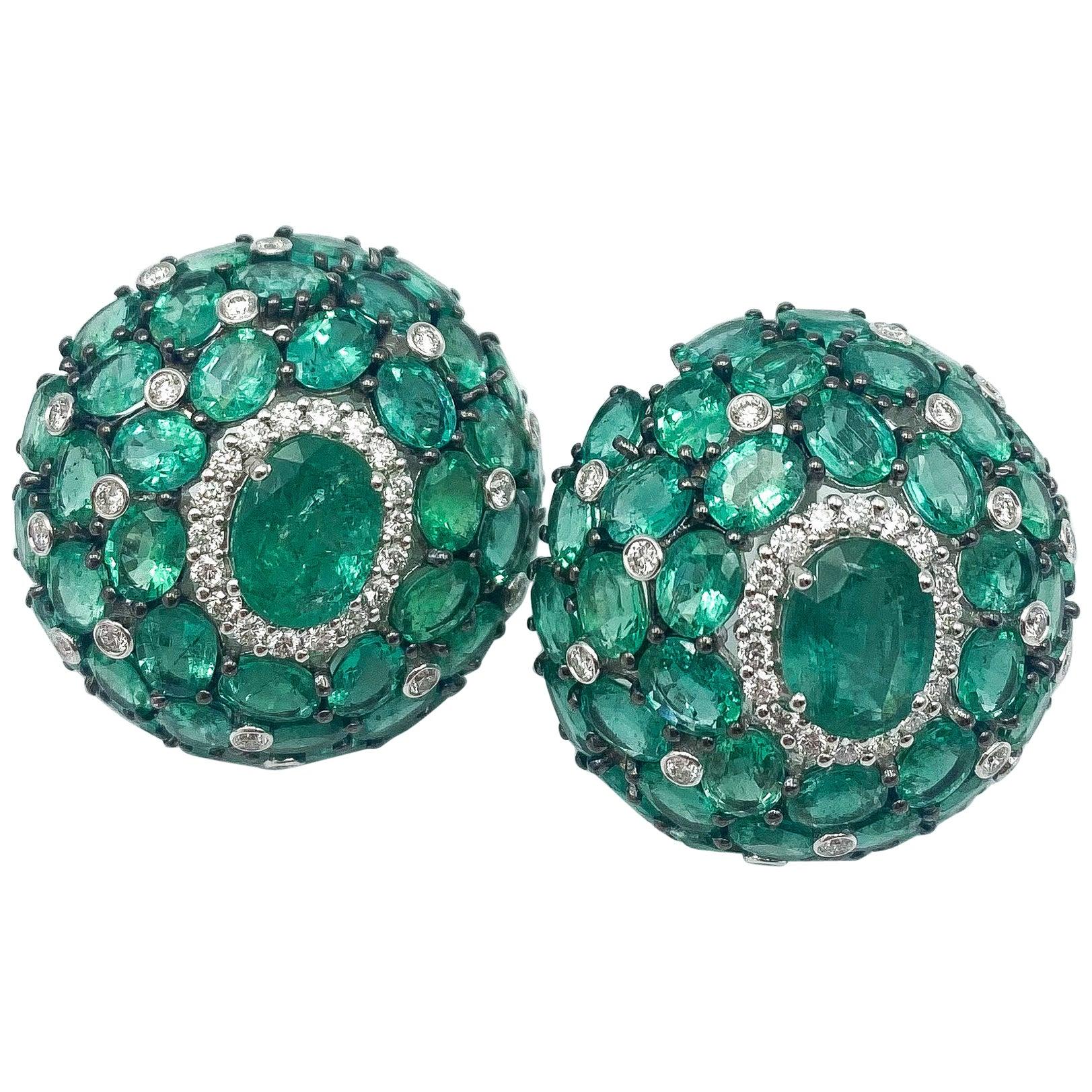 Emerald Earrings 27.64 Carat with Diamonds 1.20 Carat F/VS 18 Karat Gold