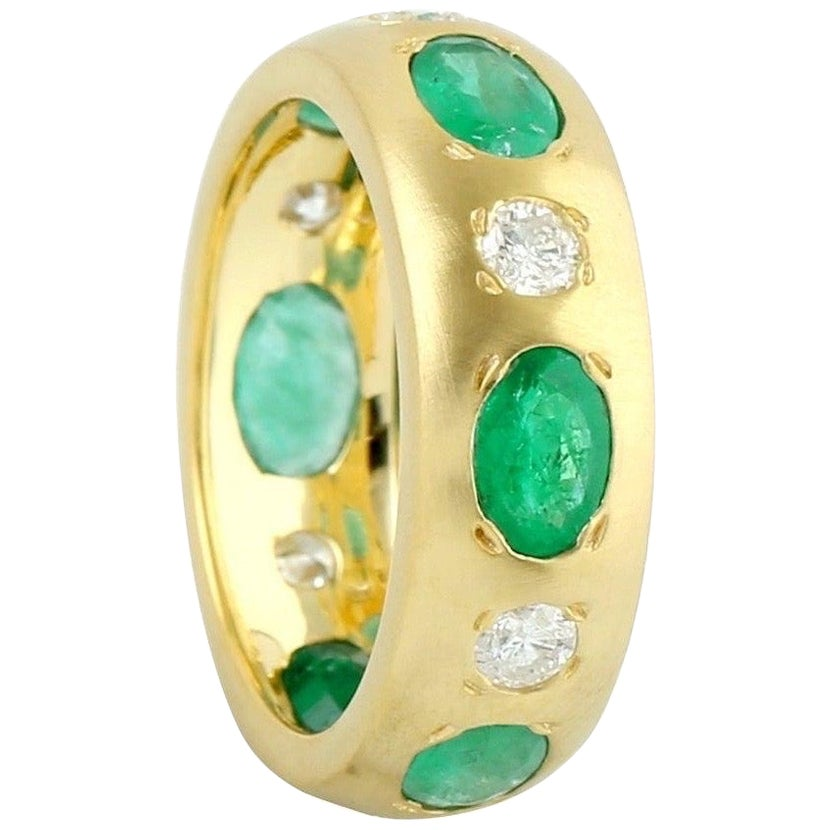 Emerald Diamond 18 Karat Gold Band Ring