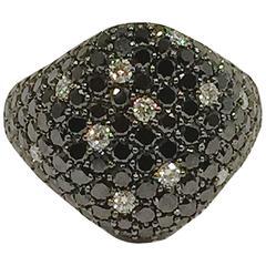 Jona Black and White Diamond Signet Ring in 18 Karat White Gold