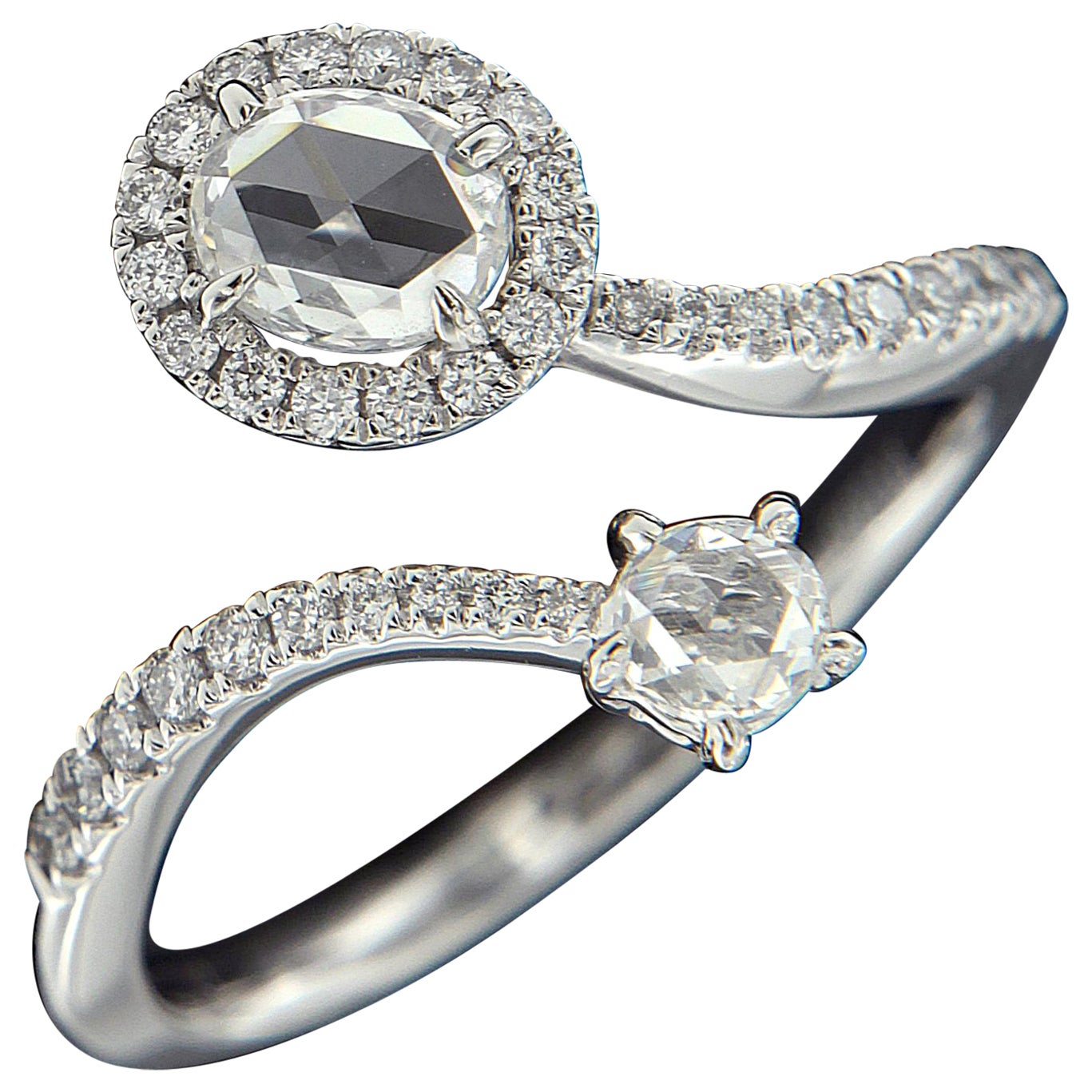 Valentine's Day: Gorgeous 18 Karat White Gold and Diamond Ring