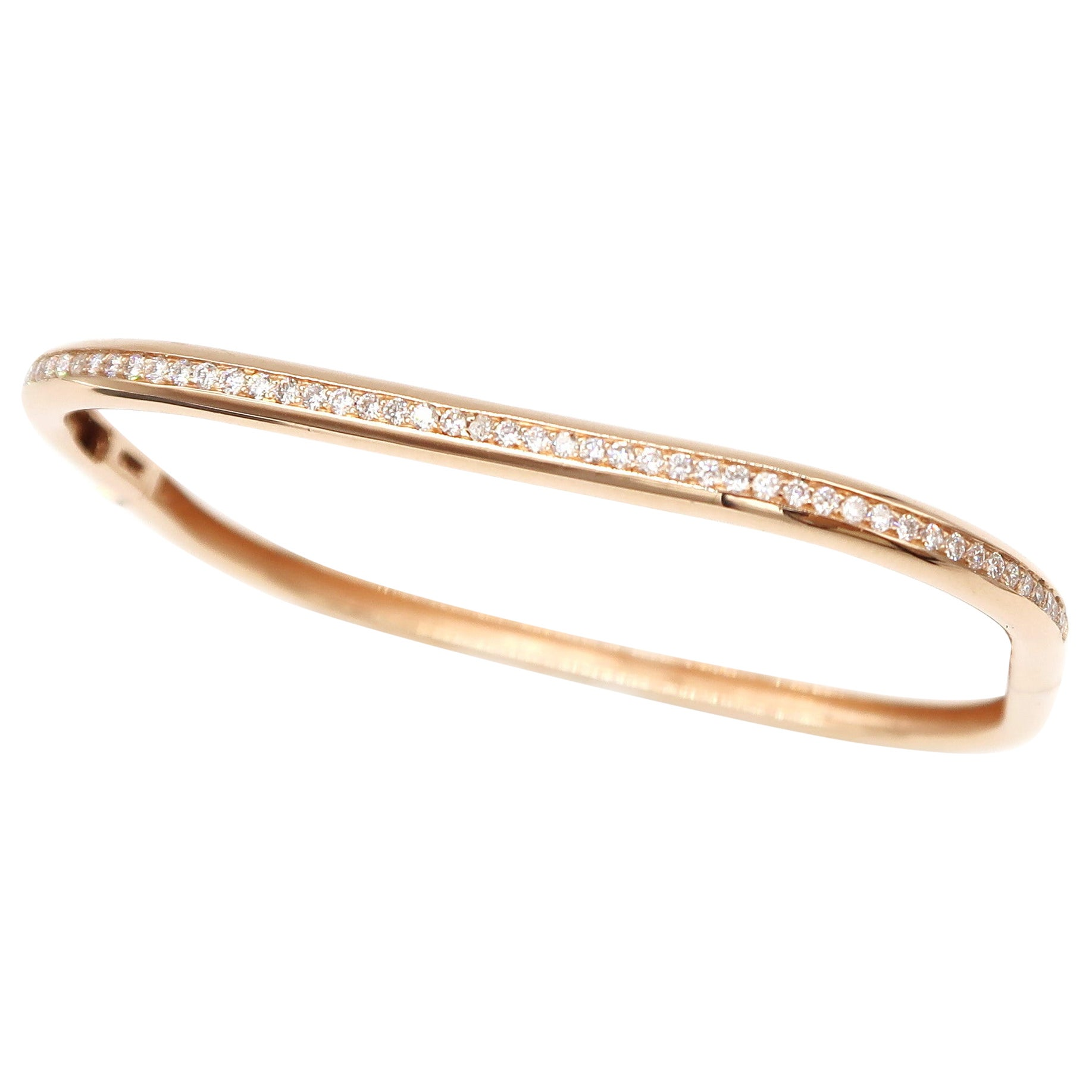 Diamond Rounded Rectangle Bangle in 18 Karat Rose Gold