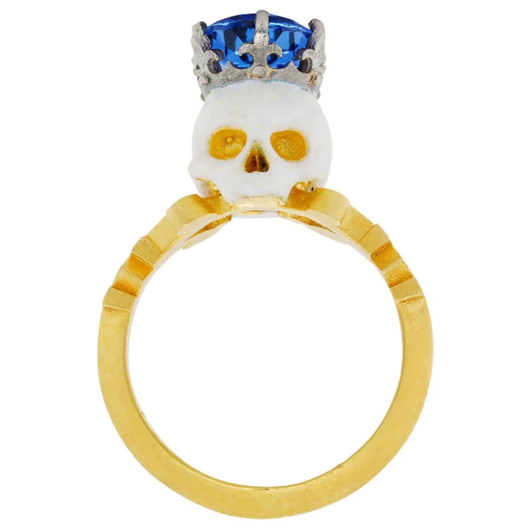 Catacomb Saint Skull Ring in 22 Karat Yellow Gold, Platinum and Tanzanite