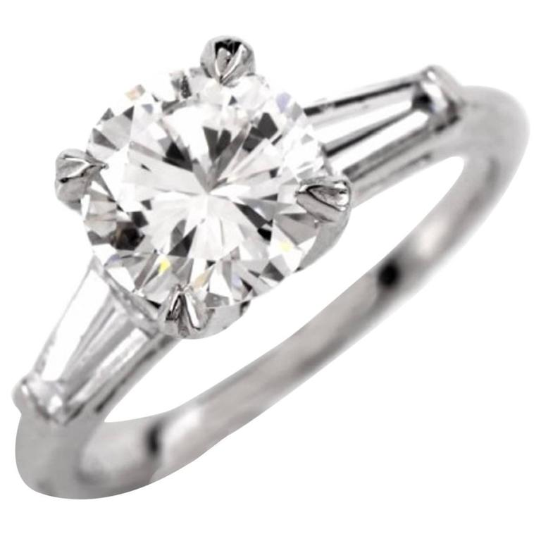 Certified 2.03 Carats Diamond Solitaire Platinum Engagement Ring For Sale