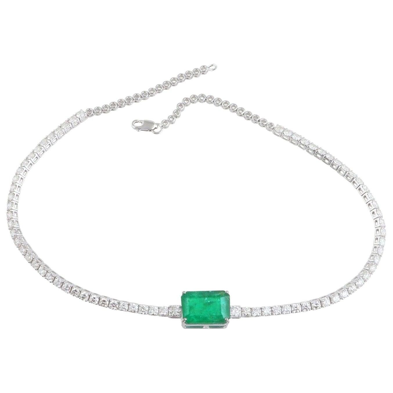8.10 Carat Emerald 18 Karat White Gold Diamond Choker Necklace
