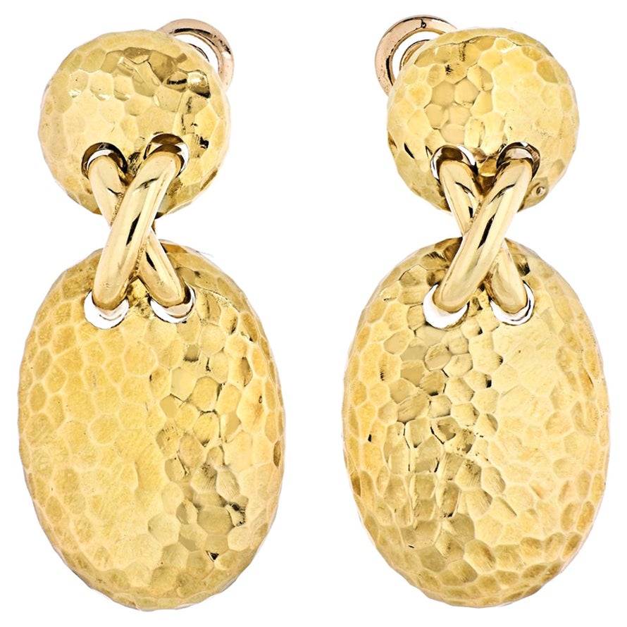 Van Cleef & Arpels 18 Karat Yellow Gold Vintage Oval Clip-On Earrings