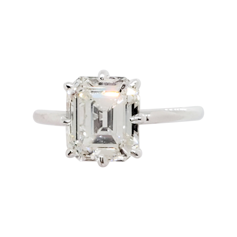 GIA H VS1 Emerald Cut Solitaire Ring in Platinum