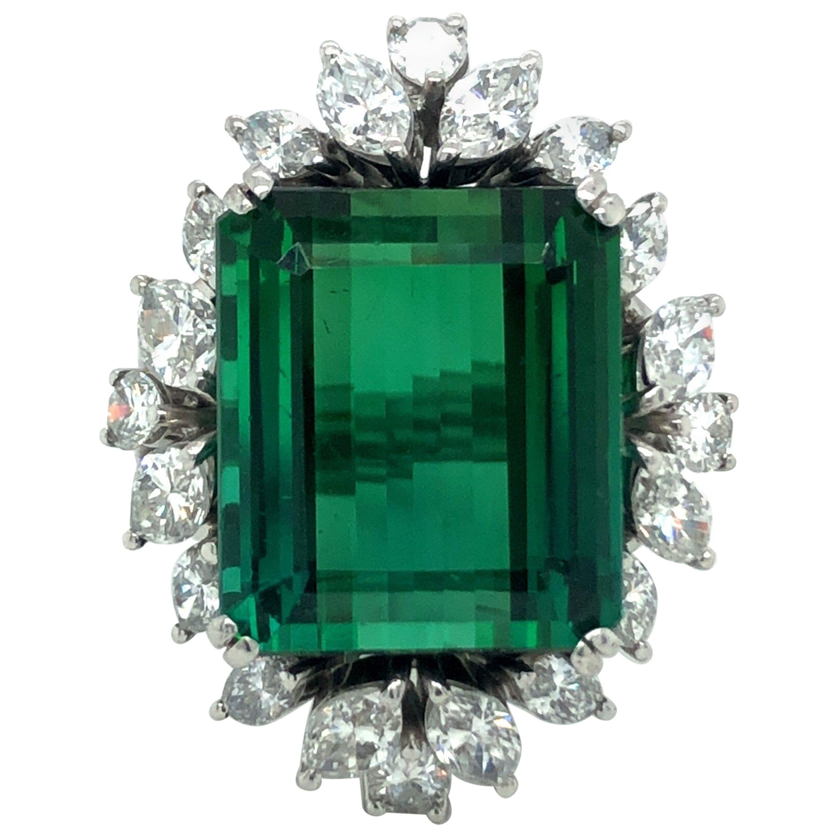 18 Karat White Gold Green Tourmaline Diamond Cocktail Ring
