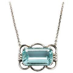 Aquamarine Gold Pendant with Chain