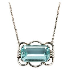 Aquamarine Gold Pendant with Chain