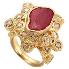 Cocktail Ring in 20K Yellow Gold with 4.08-carat Ruby and Diamonds