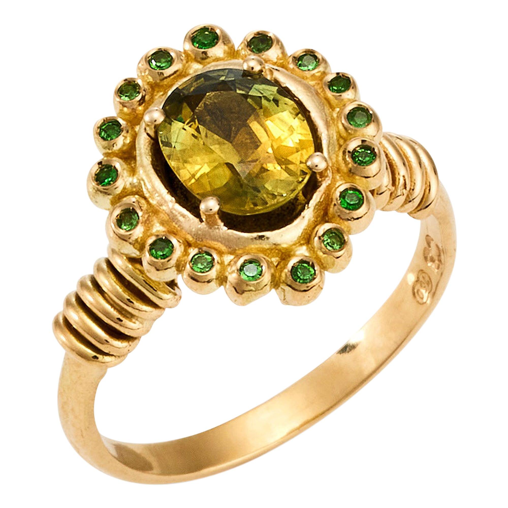 Eranthe Ring, 18 Karat Yellow Gold