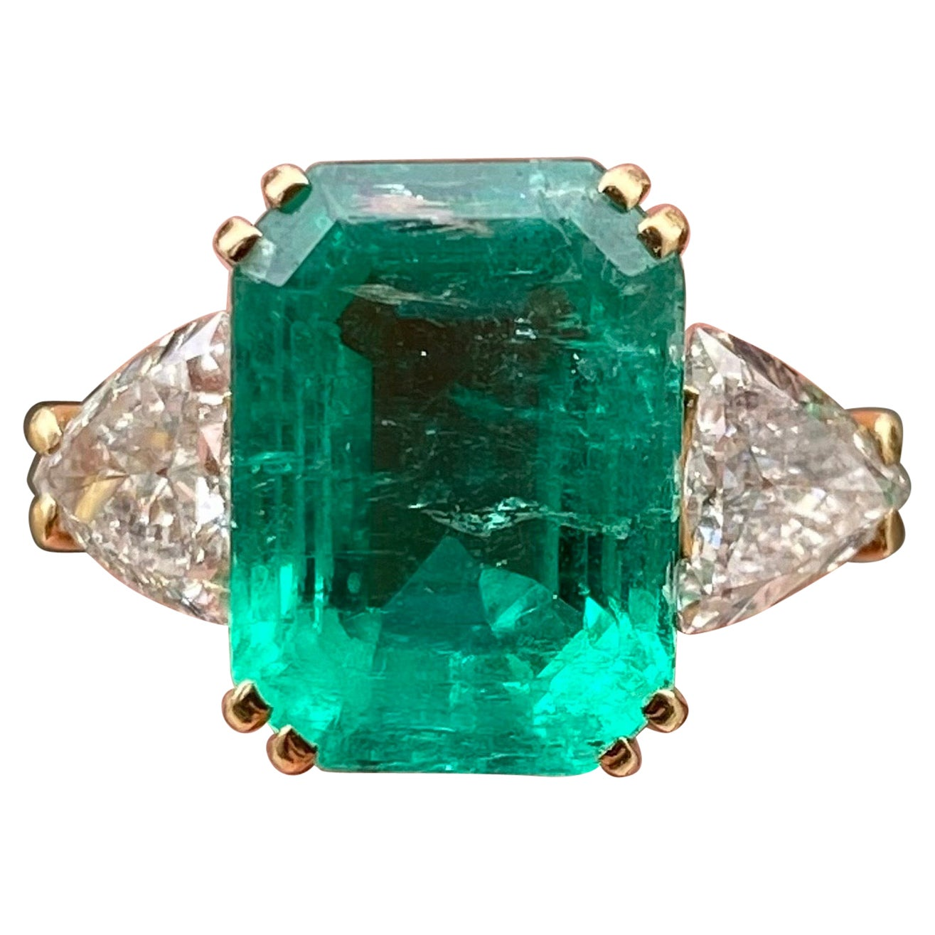 Vintage Colombian Emerald Trilliant Cut Diamond Three-Stone Gold Engagement Ring