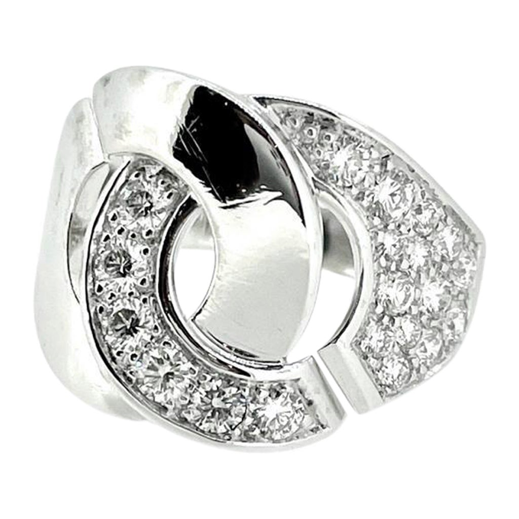 Dinh Van Menotte R16 Diamonds Ring, 18 Karat White Gold, France, 2020
