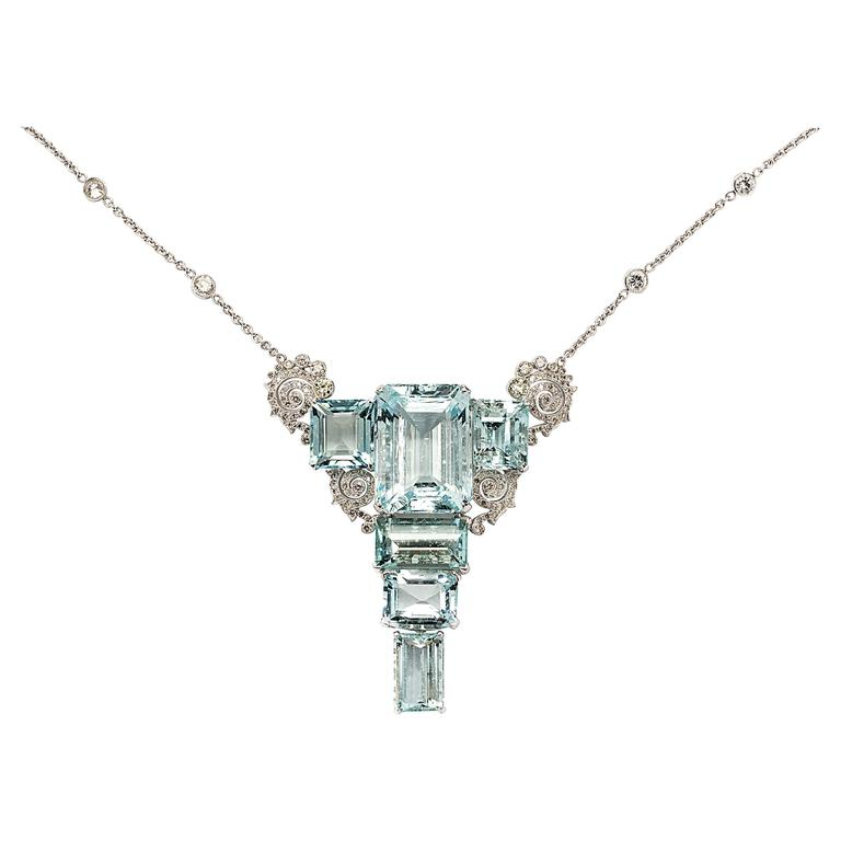 Art Deco Aquamarine Diamond Gold Pendant Necklace