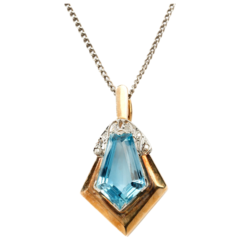 Art Deco Aquamarine Diamonds Gold Pendant