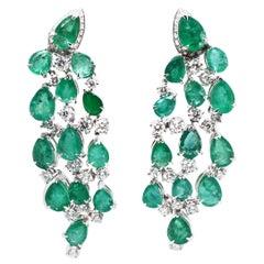 18 Karat White Gold Green Emeralds Diamond Chandelier Earrings