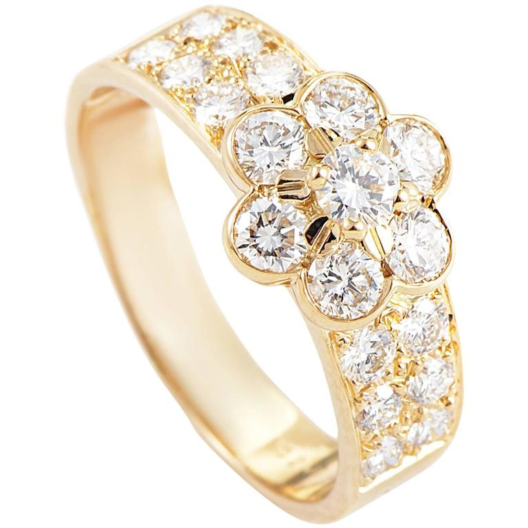 Van Cleef and Arpels Fleurette Diamond Gold Ring at 1stdibs