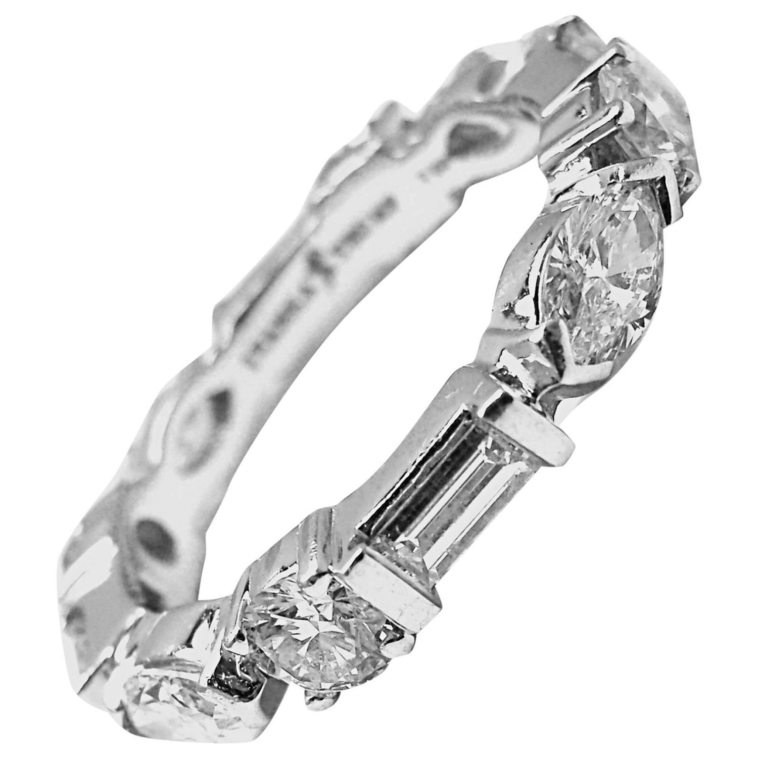 Lovely Diamond Wedding Rings Band