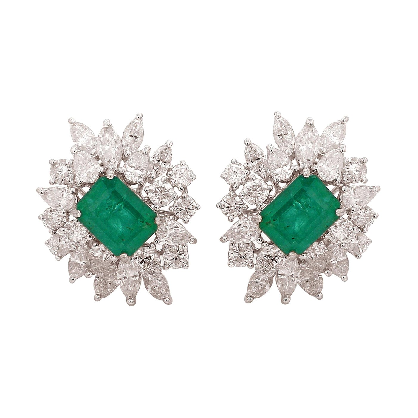 5.90 Carat Diamond Emerald 18 Karat Gold Cluster Stud Earrings