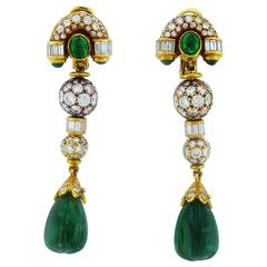 Boucheron Emerald Diamond Gold Drop Earrings