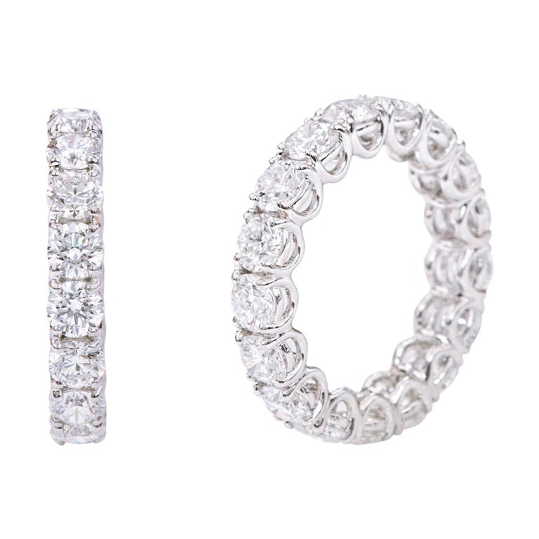18 Karat Gold 5.79 Carats GIA Certified Brilliant-Cut Diamond Eternity Band Ring For Sale