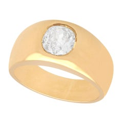 1940s French 1.04 Carat Diamond and Yellow Gold Gent's Solitaire Ring