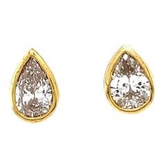 New Vintage Style Pear Shape Diamond 18 Karat Yellow Gold Stud Earrings