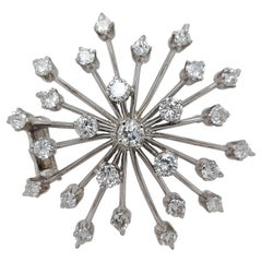 Stunning Attractive 18kt White Gold 2.95ct Diamond Star Brooch