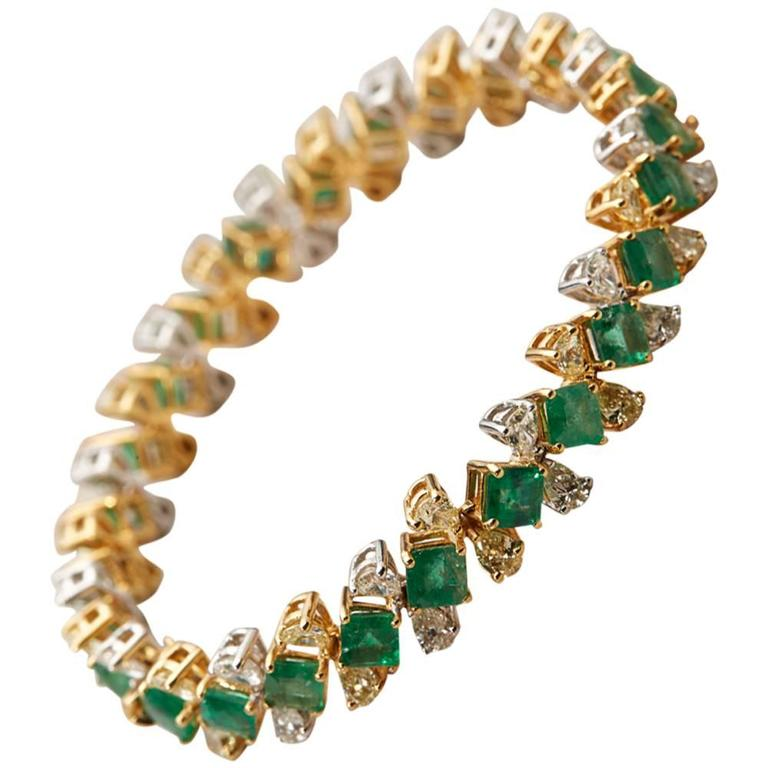 D'Joya Heirlooms Emerald Diamond Gold Colours of Christmas Bracelet For Sale