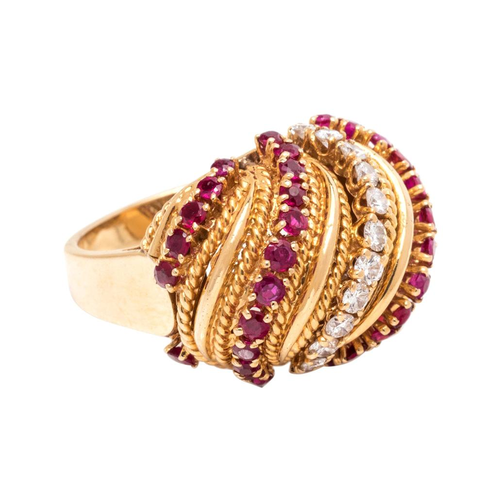 Van Cleef & Arpels Diamond & Ruby Yellow Gold Ring