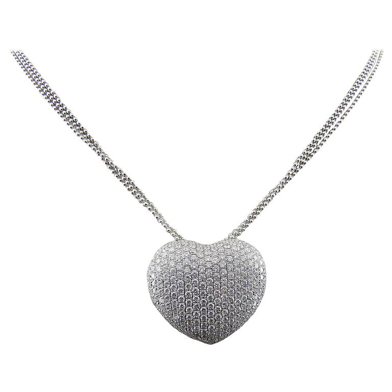 Heart Shaped Round Diamond 18K White Gold Pendant with Chain