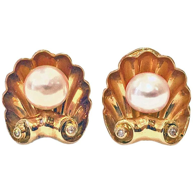 1940s Pearl Diamond Gold Shell Design Earrings 1