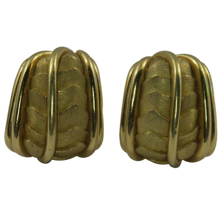 Henry Dunay Organic Design Gold Earrings
